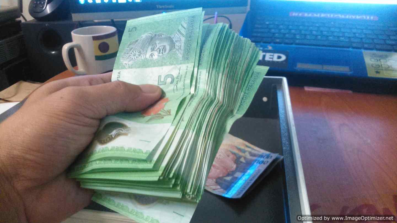 Petua menyimpan duit di rumah dengan berkesan.