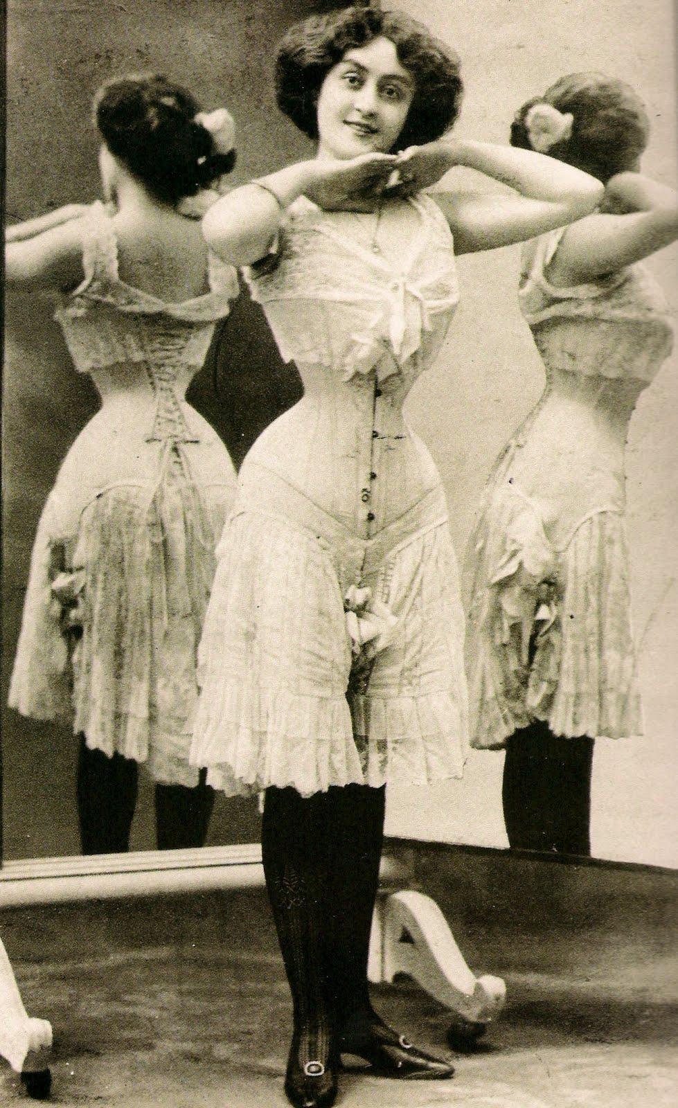 Lingerie Victorian 93