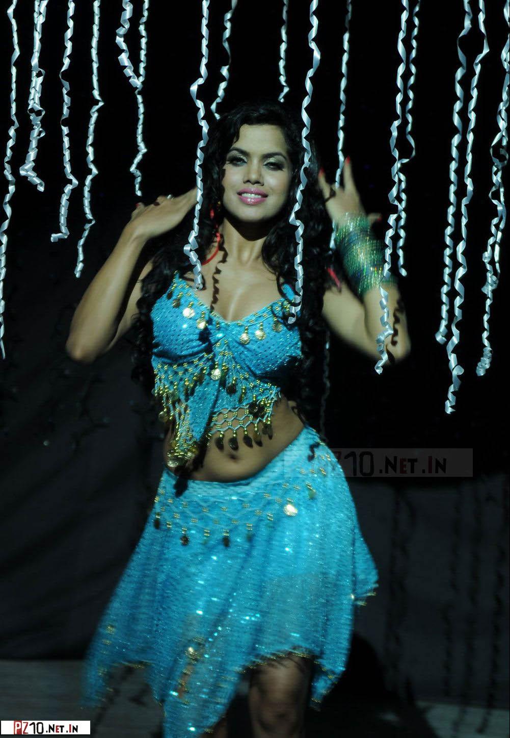 South Indian Item Girl Vasool Raja Photoshoot Nov 2012 -1872