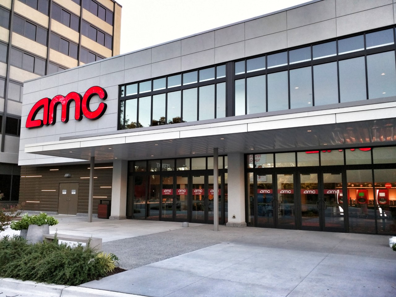 East moco amc wheaton 9 cineplex opens at wheaton plaza photos for Amc theatres garden state plaza