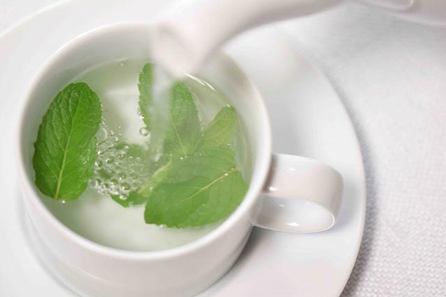 وصفة طبيعية مفيدة للتخلص من القيء وعلاج ألم لمعدة والهضم