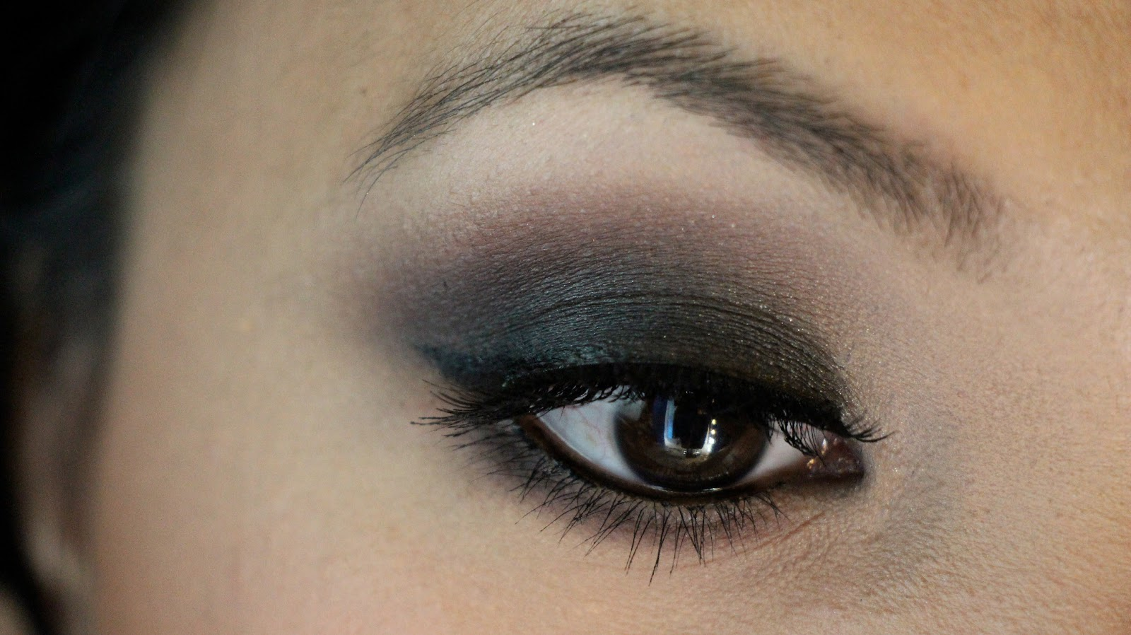 Quick and Easy Bold Smokey eye and Eyeshadow palette ...
