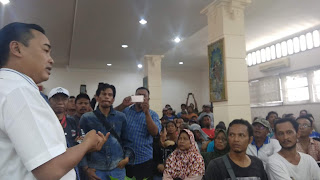 PKL Jalan Siliwangi Dan Kartini Datangi Gedung DPRD Kota Cirebon