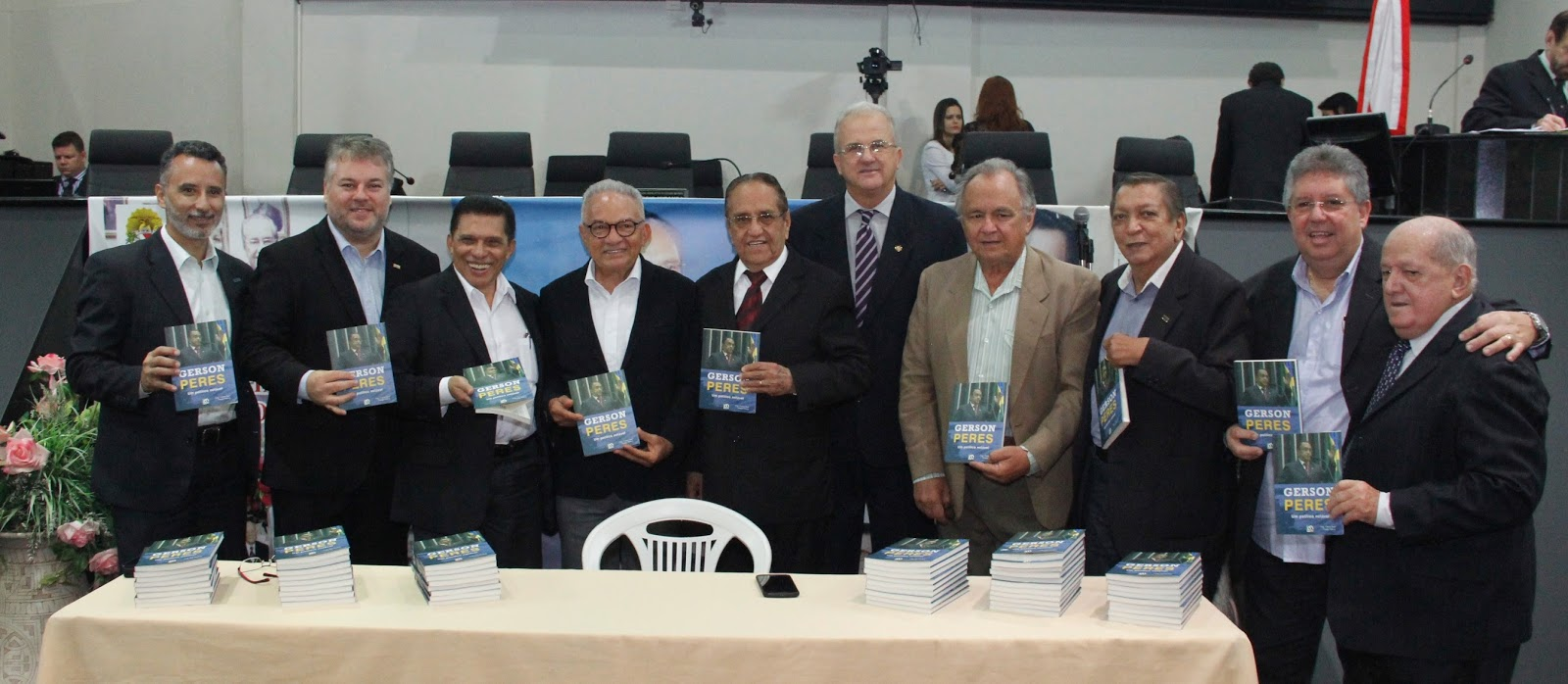 Gérson De Oliveira Nunes with biografia de gerson peres em sessão histórica   blog da