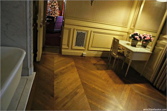 Baño del Dormitorio de la Condesa Szechenyi en la Mansión The Breakers, Newport