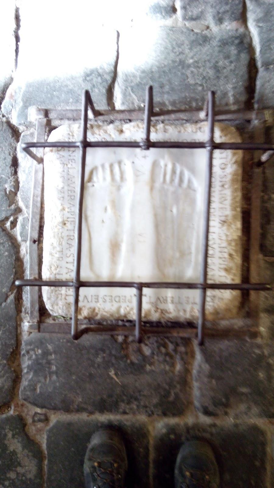 Marcas dos pés de Cristo, igreja Quo Vadis