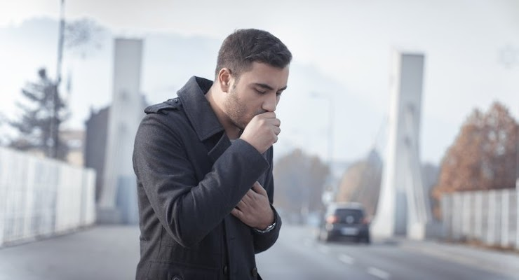 What are the signs and symptoms of asbestosis?