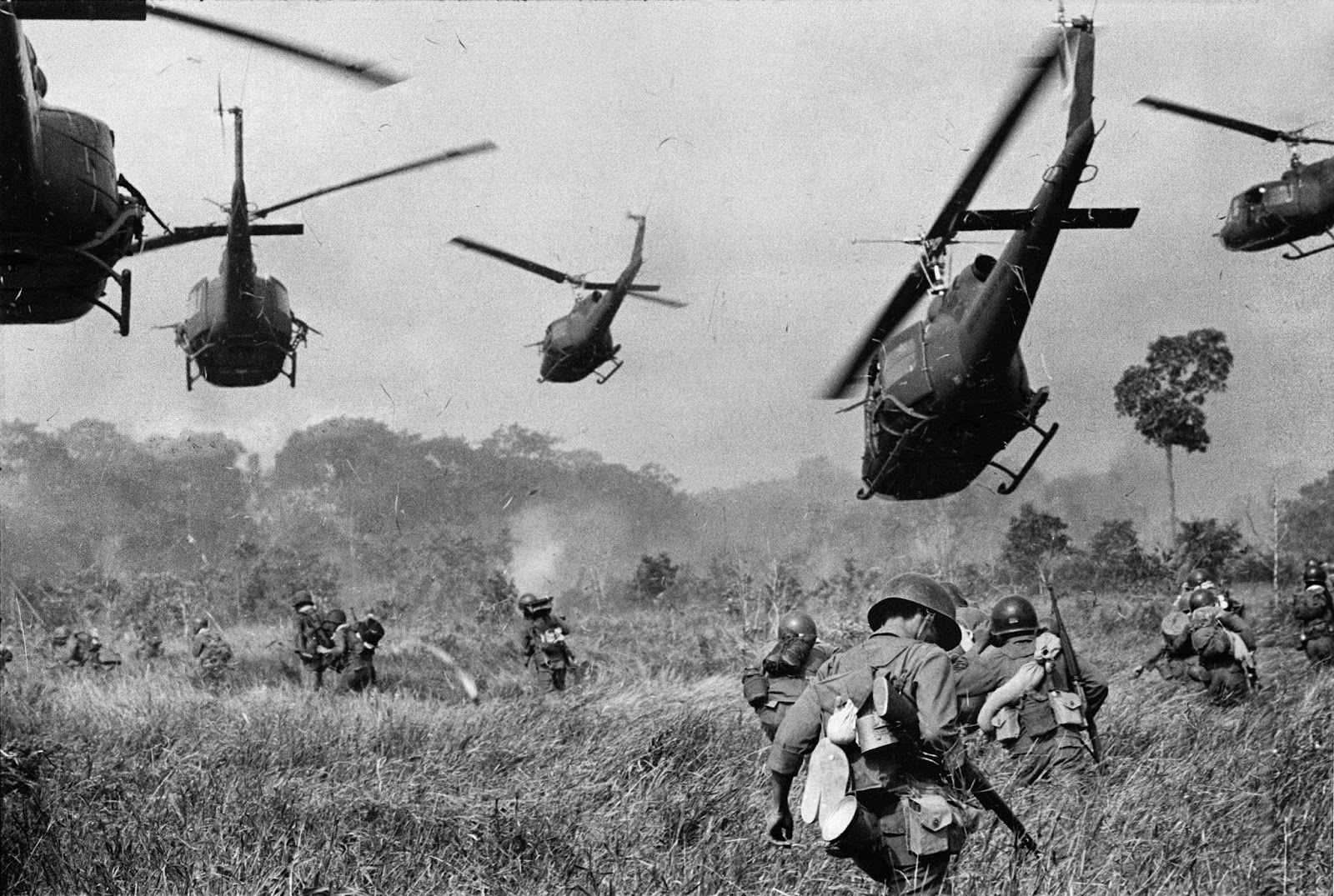 the history of the war in vietnam Ken burns and lynn novick's ten-part, 18-hour documentary series, the vietnam war, tells the epic story of one of the most consequential, divisive, and controversial events in american history as it has never before been told on film.