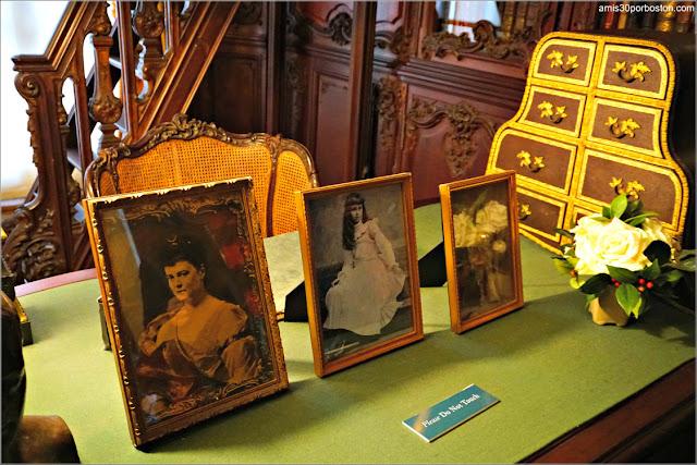 Fotos en el Salón Matutino y Biblioteca de Marble House, Newport