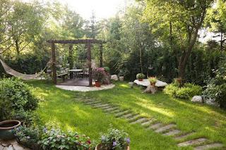 cara membuat taman kecil di depan rumah