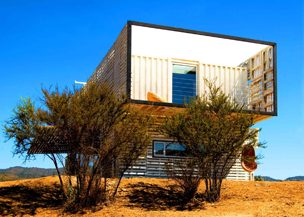 Shipping Container House with Dynamic Facade, Chile 6