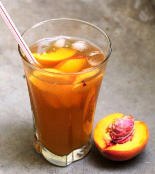 Les bienfaits de smoothie de la pêche et de thé vert