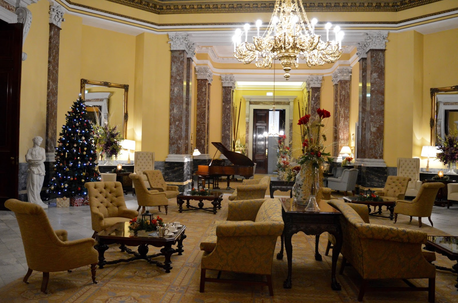 Afternoon tea at Wynyard Hall (with kids) - A Review - Wynyard Hall lobby at Christmas