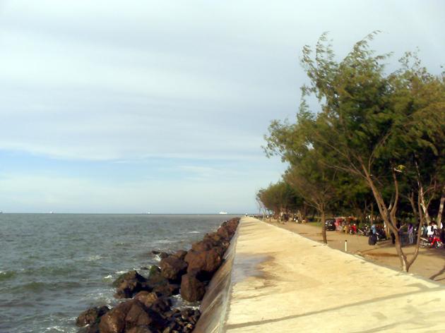 Tempat Wisata Pantai Marina di Banten