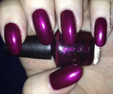 swatch-opi-kiss-me-or-elf