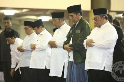 Subhanallah, Adem Rasanya Lihat Pak Presiden Ikut Sholat Subuh Berjamaah