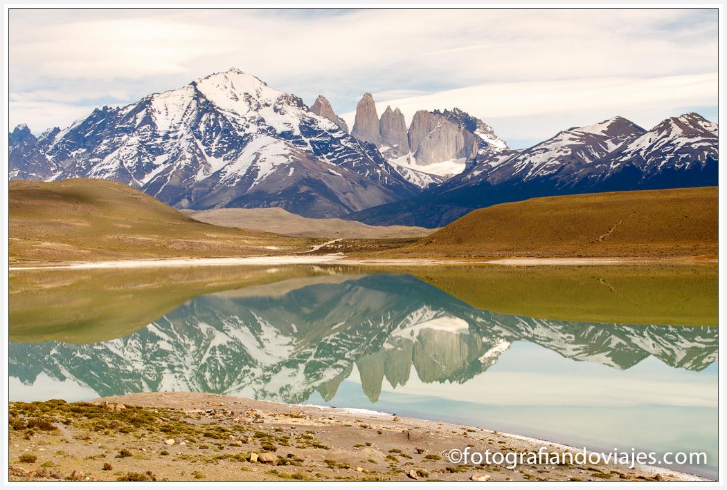 Torres del Paine reflejadas