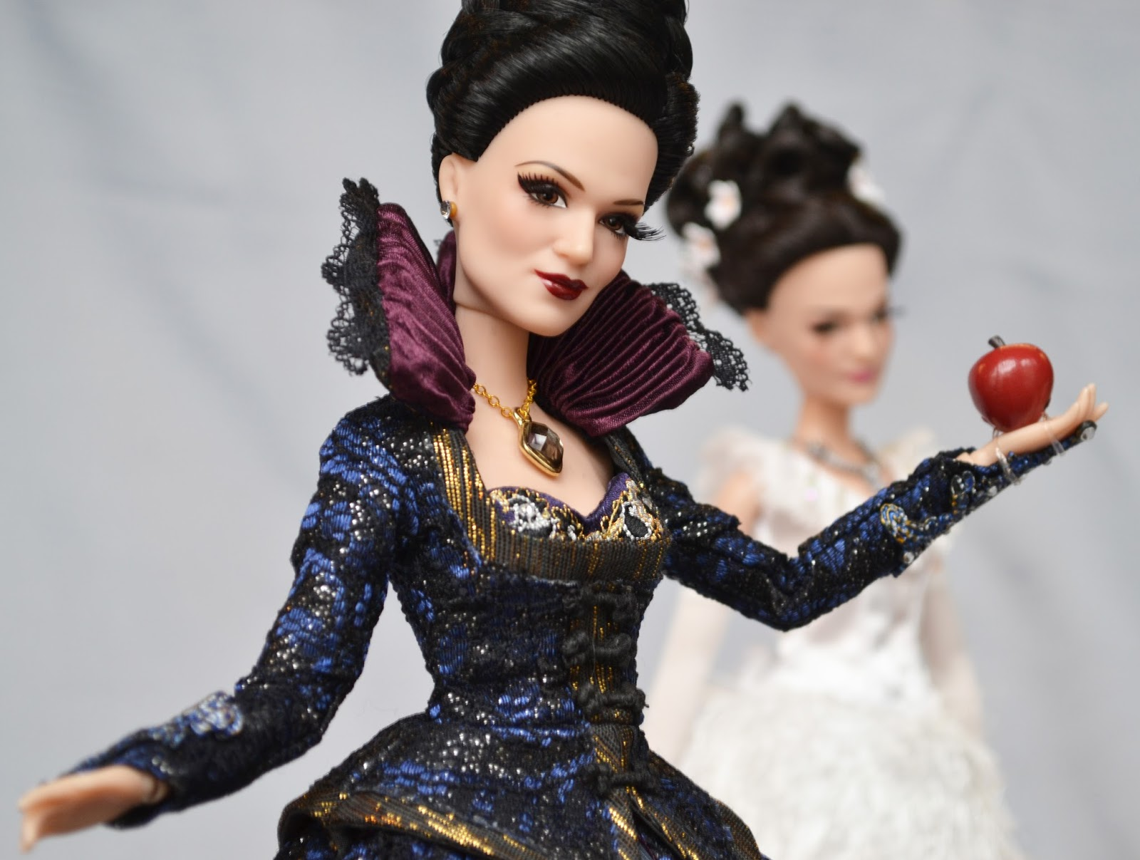 Once Upon A Time - First Images Of D23 Doll Collection Revealed
