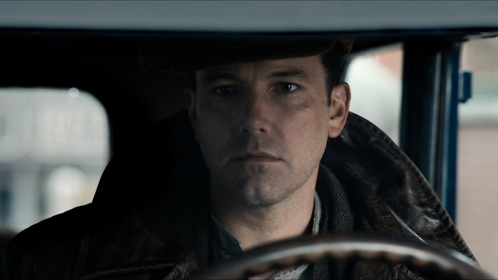 """Ben Affleck vive um fora de lei no trailer de """"A Lei da Noite"""""""