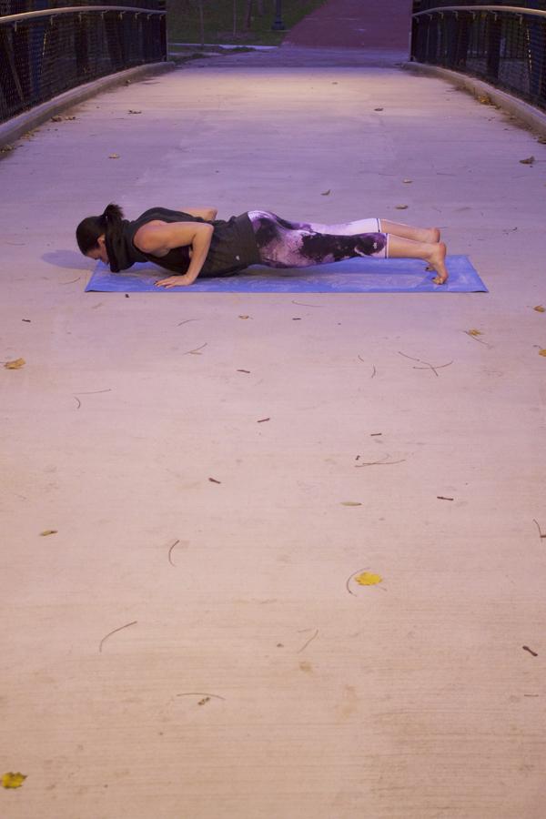 Chaturanga, yoga, yogi, namaste, om, yoga poses, chaturanga pose, Alo Yoga, Airbrush leggings, sports bra, yoga wear, yoga clothing