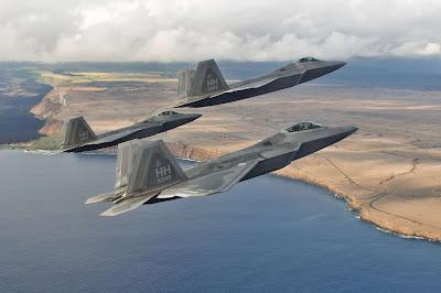 EUA se tocaram tarde demais que precisam de mais caças F-22