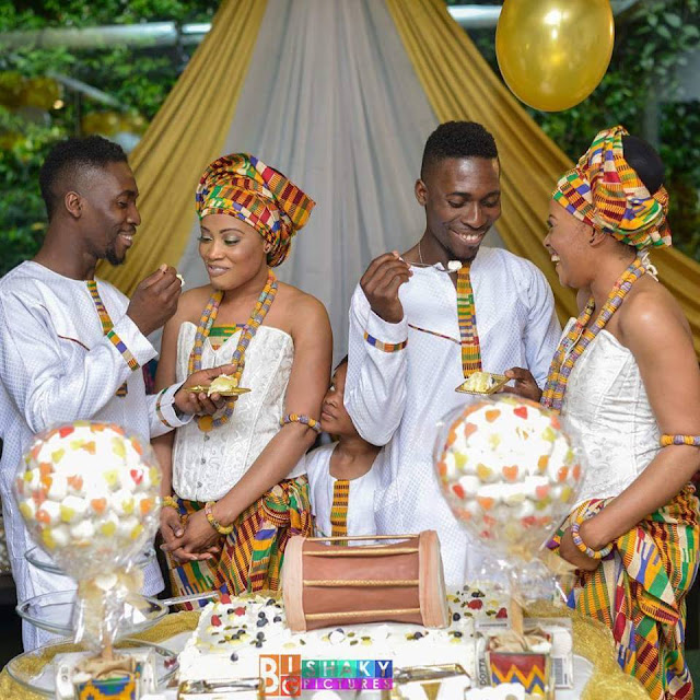 twins marrying twins in Ghana in their traditional wear, beautiful isn't it?