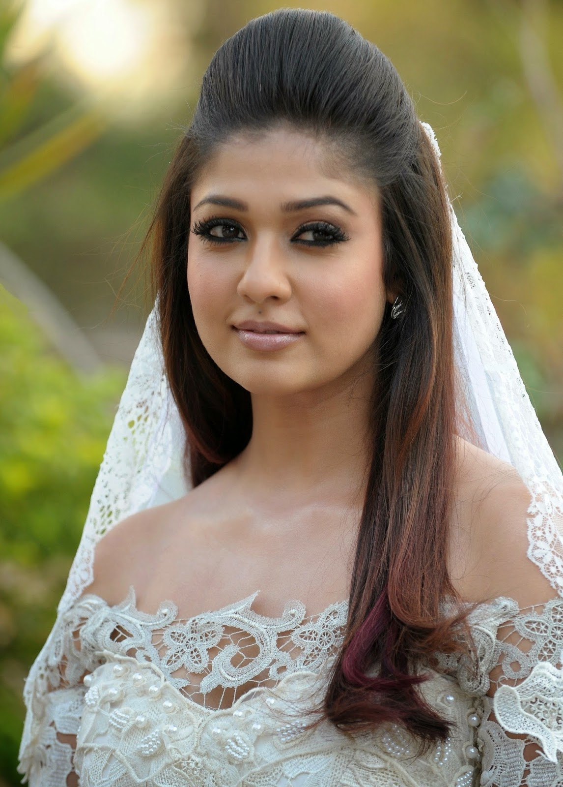 High Quality Bollywood Celebrity Pictures Nayantara -1917