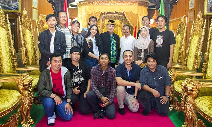 Bersama Kepala Besar Adat Tidung, Kalimantan, AP. H. Mochtar Basry Idris dan Para Jurnalis Media Nasional Indonesia