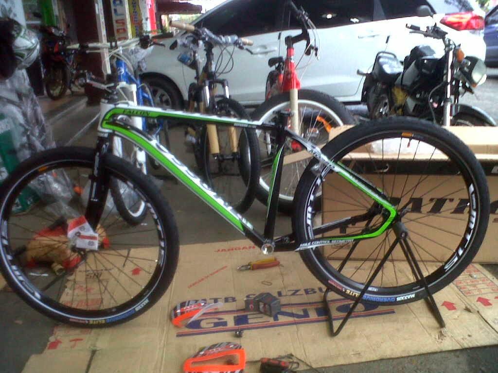 Merakit Sepeda Mtb-Hardtail2