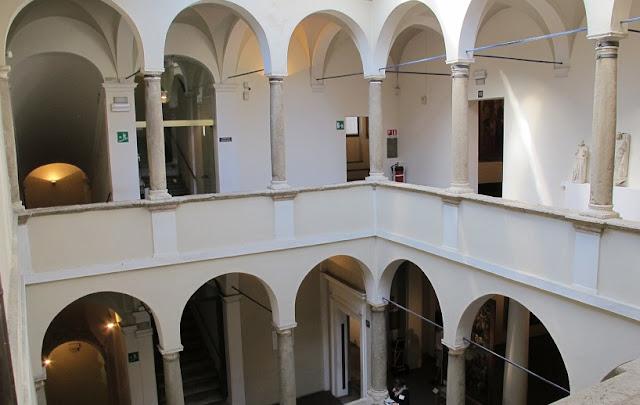 Informações sobre a Pinacoteca Nazionale di Siena