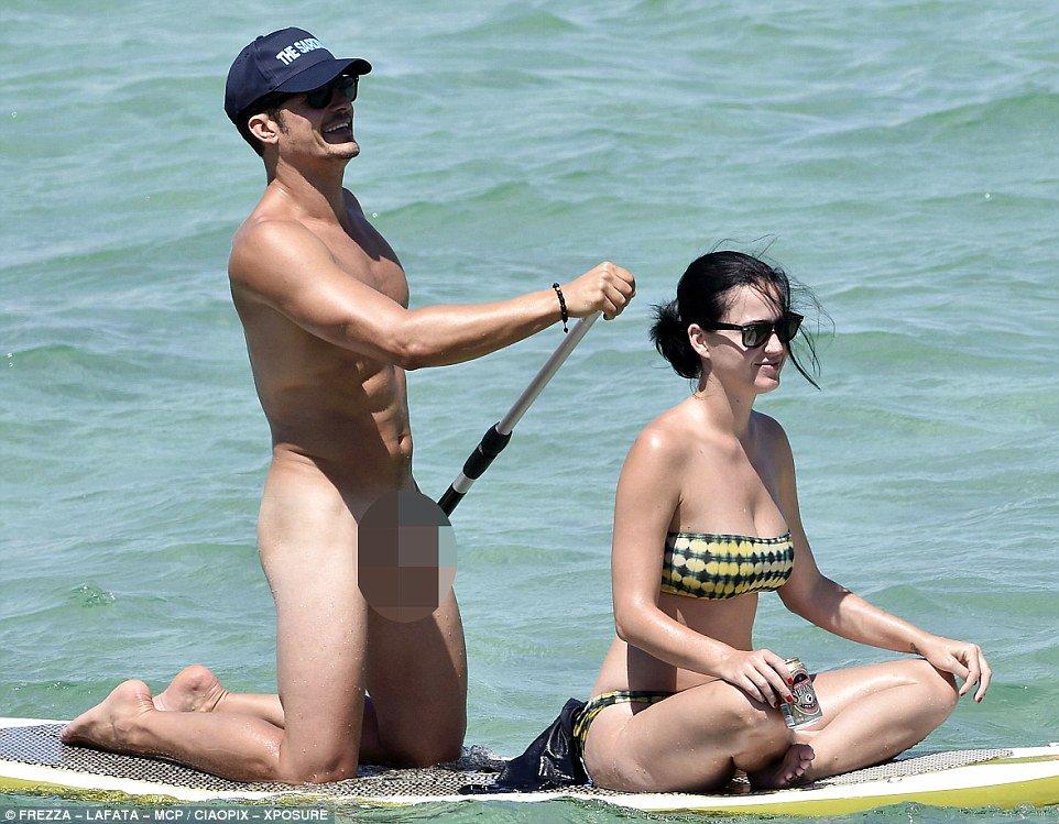 Foto Di Orlando Fioritura Nudo Paddle Board