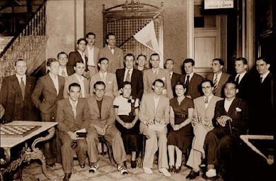 Pere Cherta, en la entrega de premios de les simultáneas en el C.C. de Gràcia, 1 de octubre de 1936