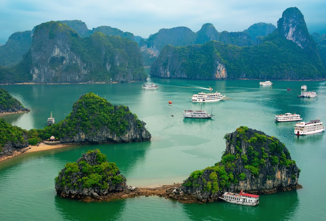 Top Tourist Attractions in Vietnam Ha Long Bay