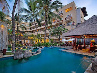 Job Vacancy as F&B Cashier (DW) - Male at Kuta Paradiso Hotel