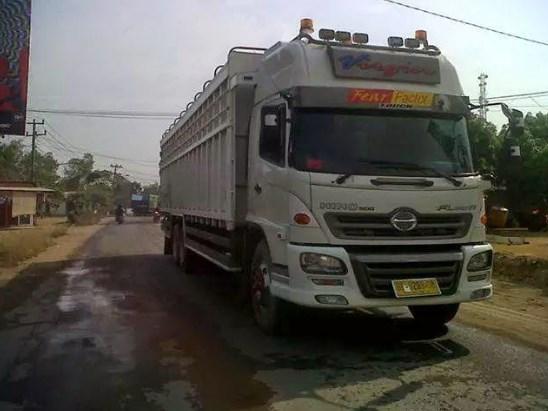 Gambar Modifikasi Keren Truk Hino Info Mobil Truck
