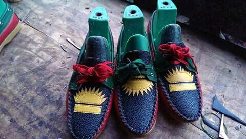 Check out these beautiful-themed Biafran shoes made in Aba
