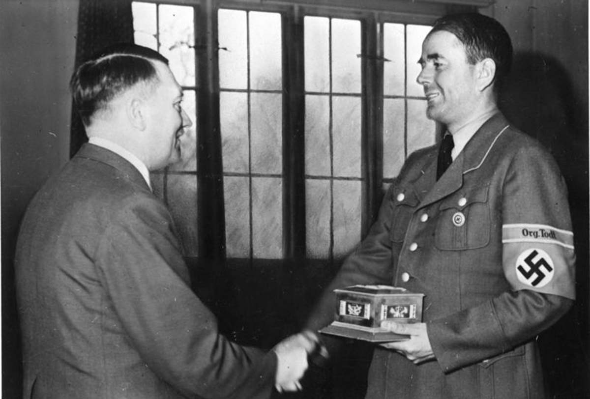 Hitler apparently giving Speer some kind of award, March/June 1943.