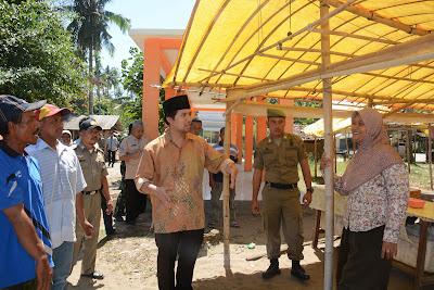 Emil Dardak Ajak Dialog Pedagang Terkait Penataan Kawasan Pantai Simbaronce