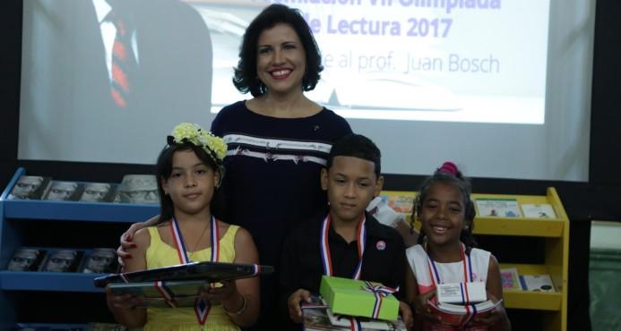 Vicepresidencia premia finalistas de Séptima Olimpíada de Lectura