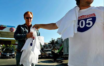 Actor David Caruso buying Carmageddon T-shirt