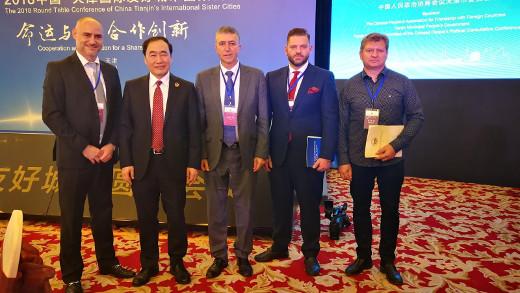 Climent acuerda dos misiones inversas de una delegación de Tianjin en la Comunitat para abordar la cooperación portuaria, empresarial, comercial e industrial