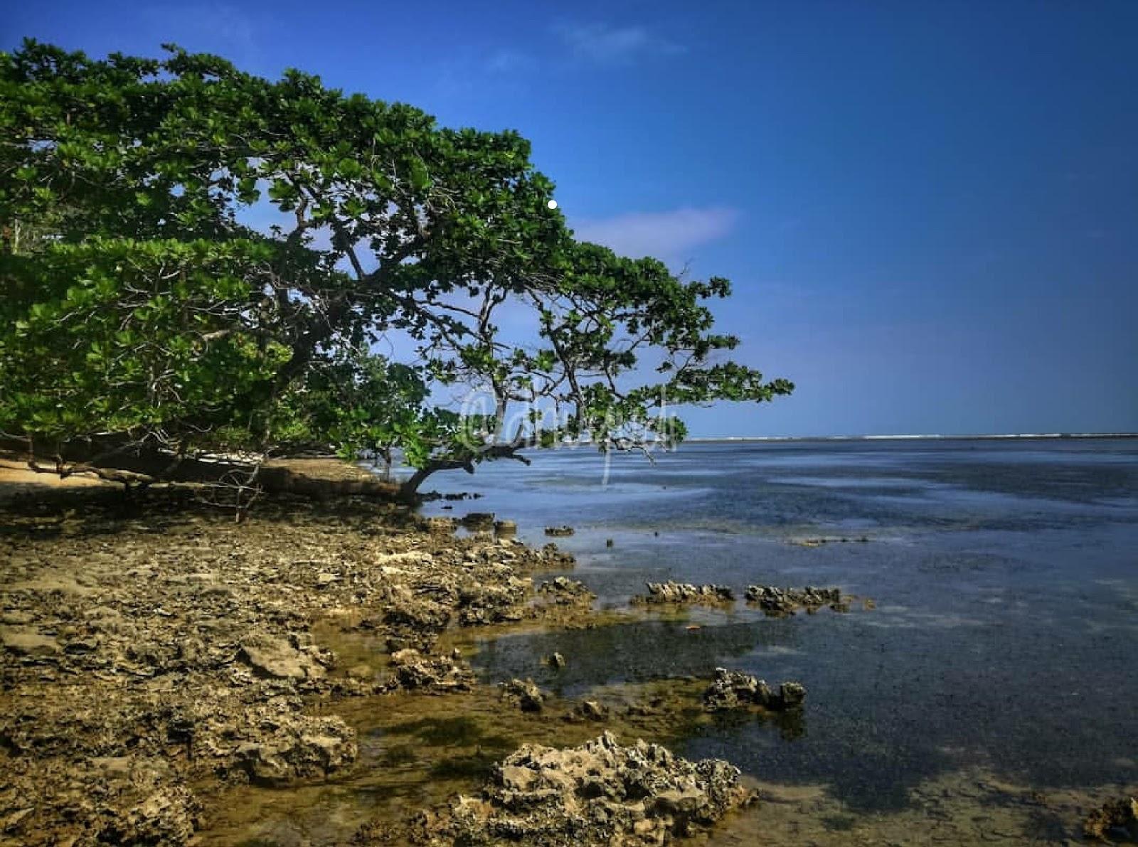11 Gambar Pantai Cijeruk Indah Garut, Rute dan Penginapan Terdekat