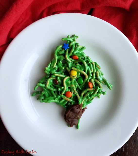 no bake christmas tree cookie made from chow mein noodles and candy