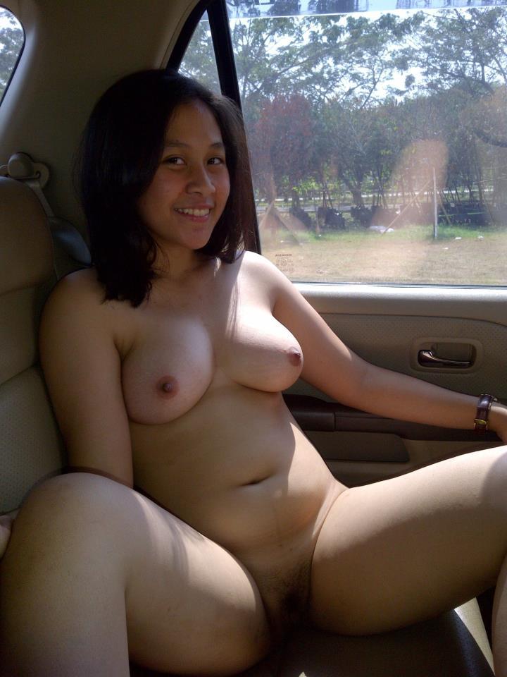 foto hot abg bugil sange di mobil