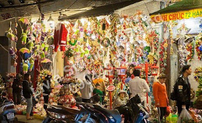 Đến phố Hàng Mã hoặc Shop họa phẩm ngõ 75 Giải Phóng mua giấy bìa, giấy màu