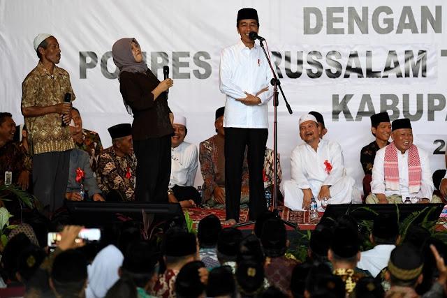 Jokowi Disebut Kiai saat Silaturahmi di Pesantren Magelang