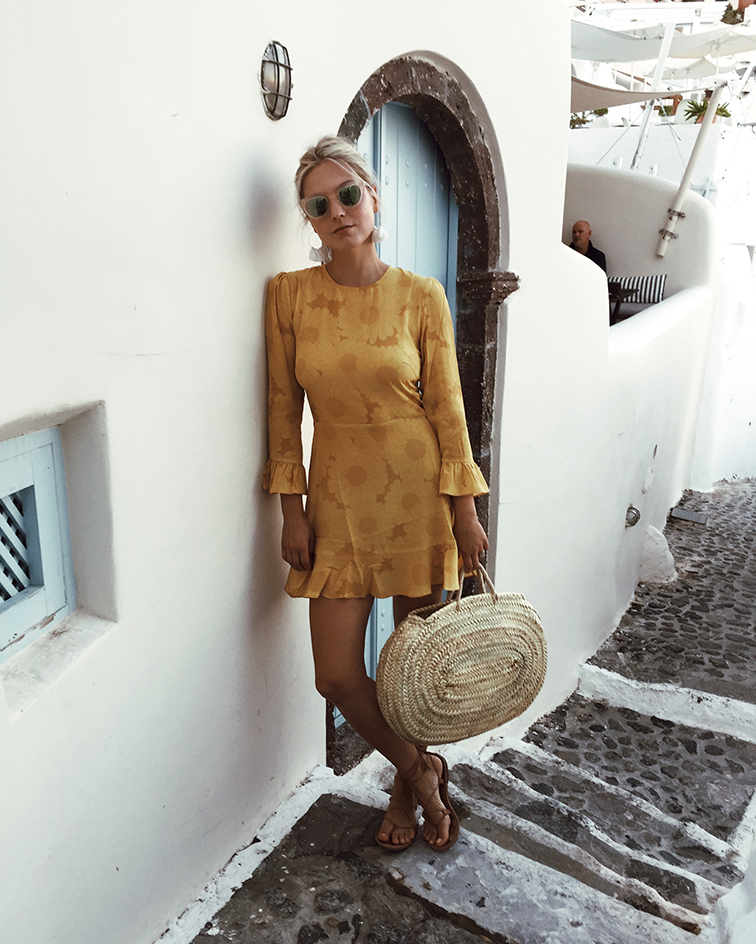 heleneisfor, realisation par yellow dress, Rare Atlantic Moroccan straw bag, Madewell Grecian sandals, santorini, Greece