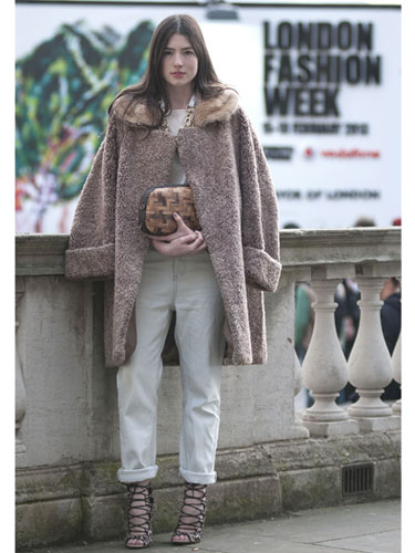 LONDON FASHION WEEK FALL 2013 | STREET STYLE