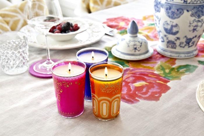trucos-vestir la mesa en primavera- Velas de colores