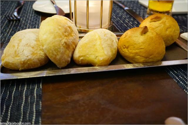 Bandeja de Pan del Restaurante Oceana en Nueva York